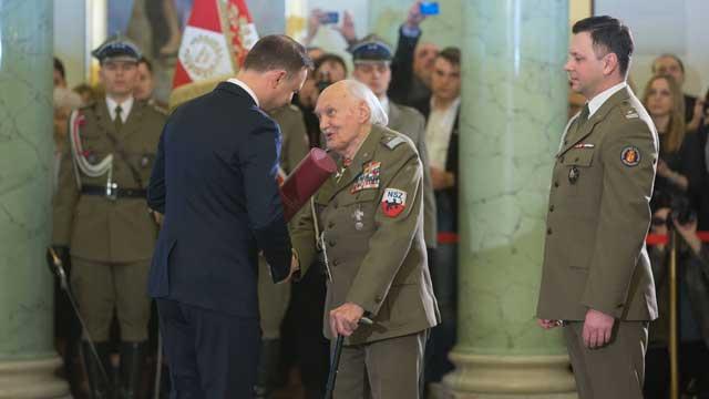 Awans Generała Jan Podhorskiego