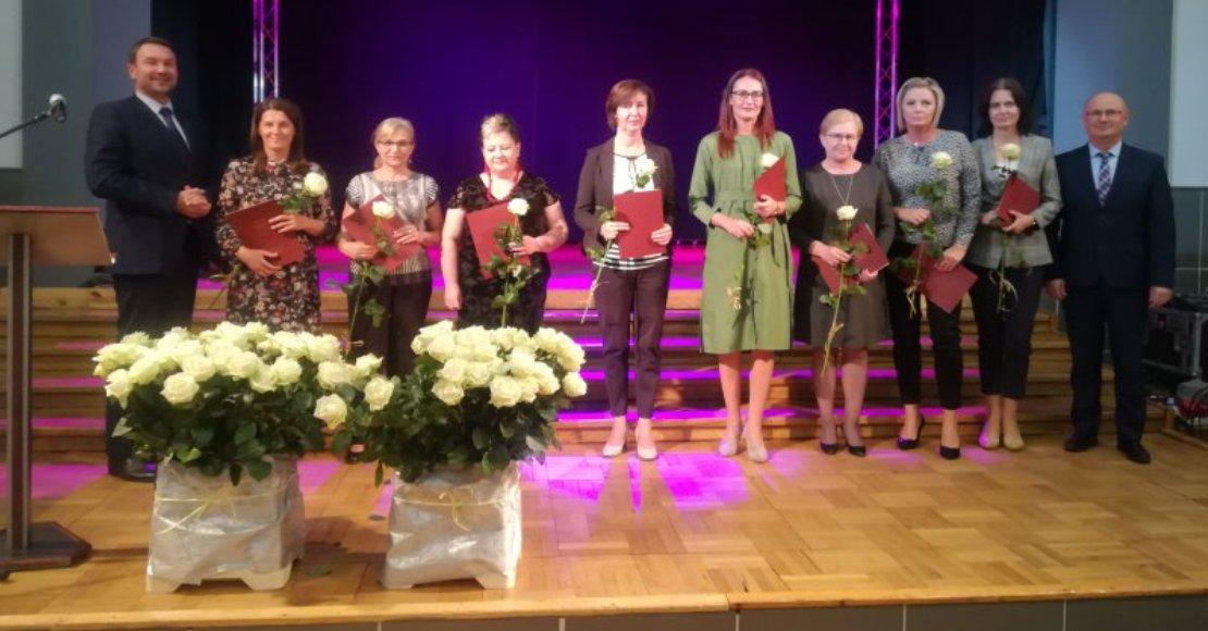 Nagrody dla dyrektorów placówek i nauczycieli