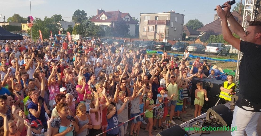 Wakacyjny Festyn Rodzinny z Power Play i Bartkiem Tecławem (foto)