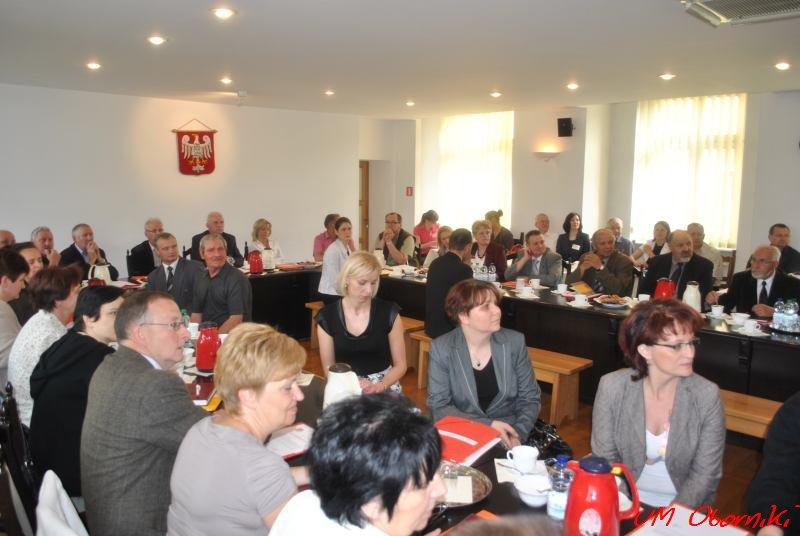 Burmistrz Tomasz Szrama wręczy sołtysom legitymacje