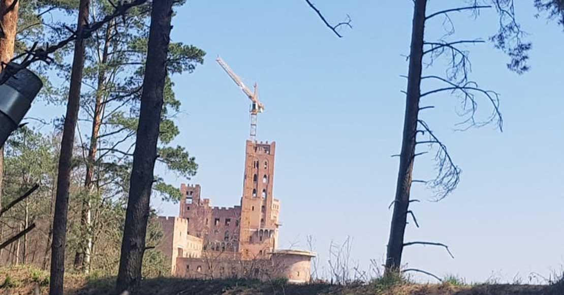 Budowa zamku w Stobnicy zagrożona z uwagi na decyzję RDOŚ