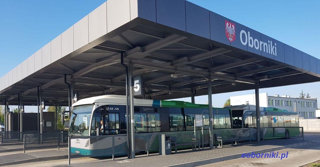 Autobusy wyjechały z rana na trasy