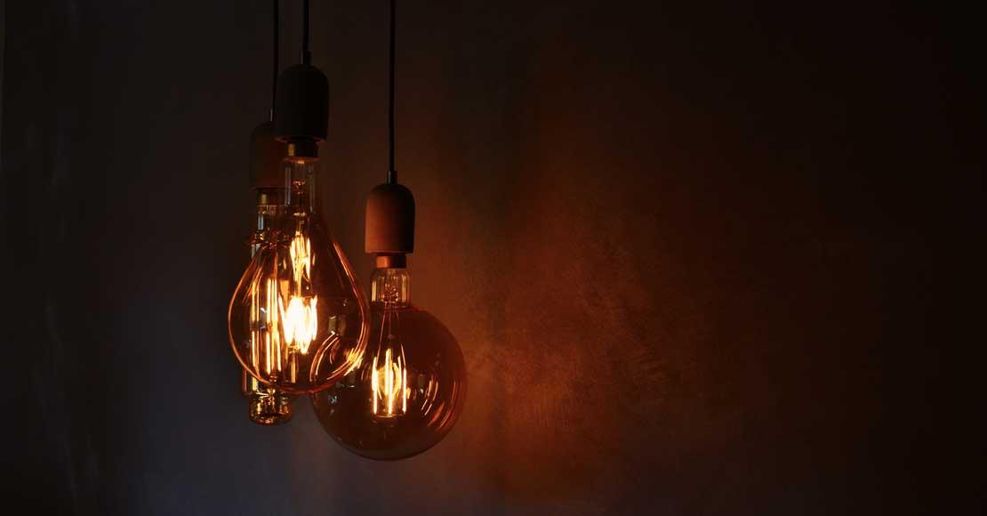 Żarówki do lampki nocnej – jak je wybrać?
