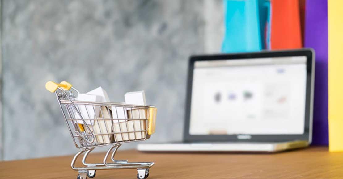 Zakup mebli przez Internet. Co oferują salony meblowe?