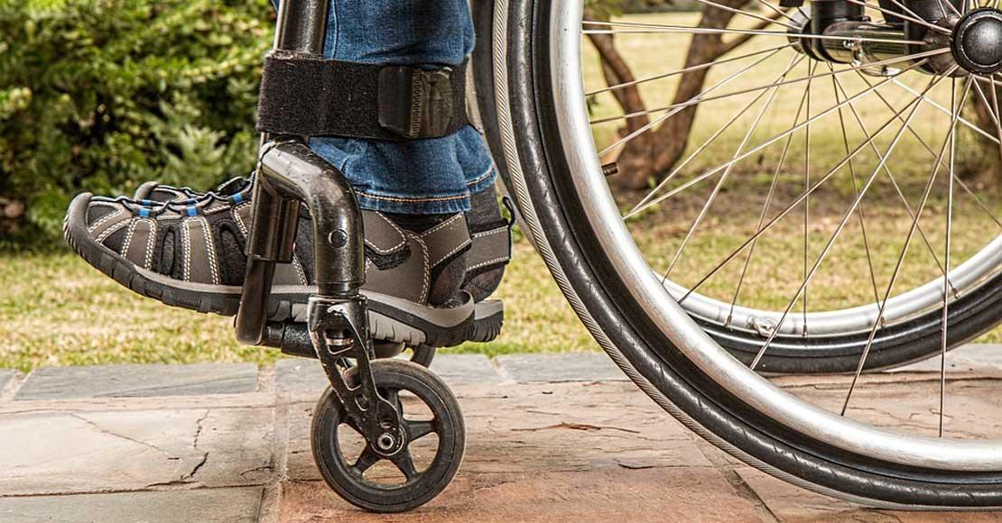 Wypożyczalnia wózków inwalidzkich - co warto wiedzieć?