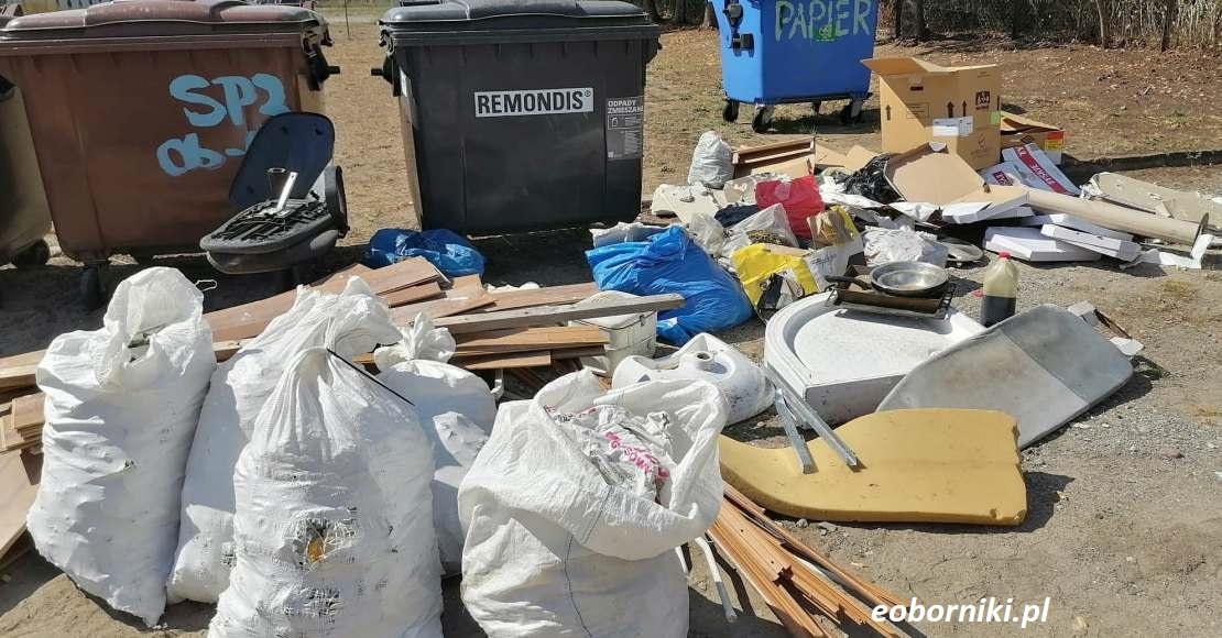 Śmieci w szkole: Są pierwsze informacje (film, foto)