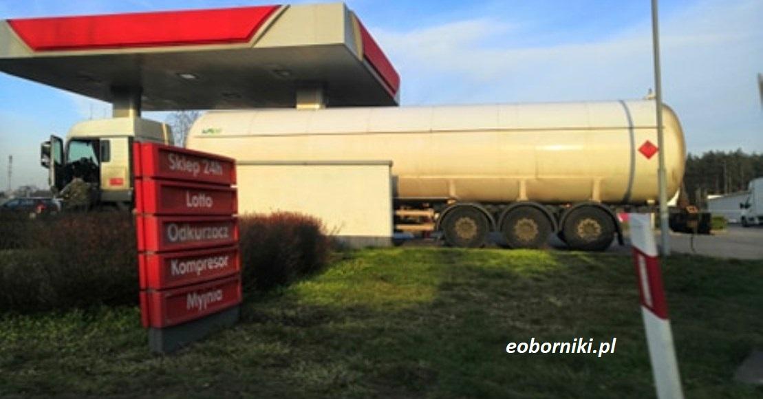 Spadają ceny paliw na stacjach