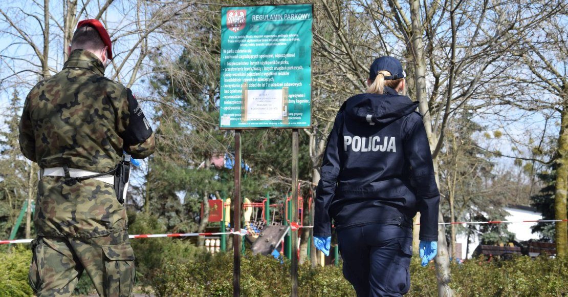 Policja apeluje i karze mandatami