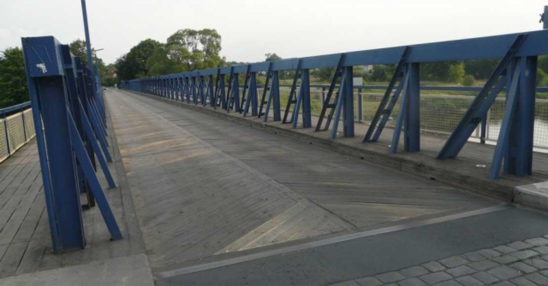 Oborniki. Mały most zamknięty dzisiaj w nocy