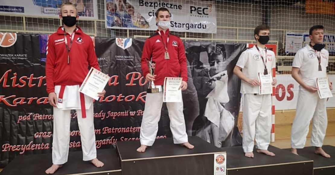 Karate Team Oborniki z 14 medalami Mistrzostw Polski (foto)