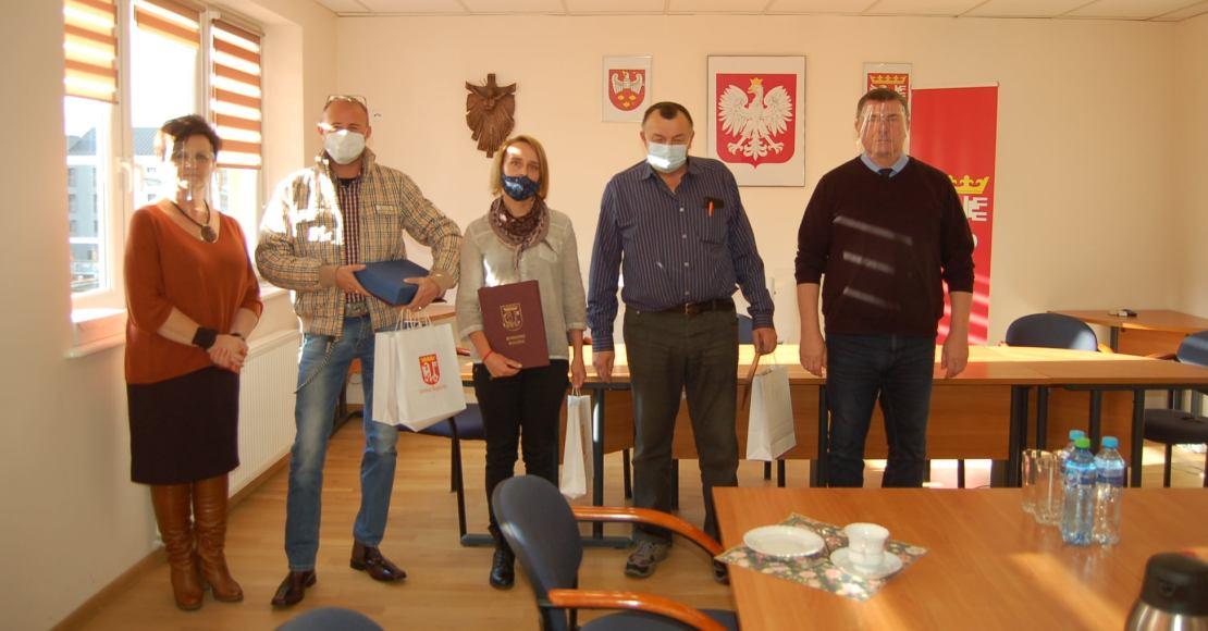 Wyróżnienia z okazji 85. lecia Klubu Żeglarskiego Kotwica (foto)