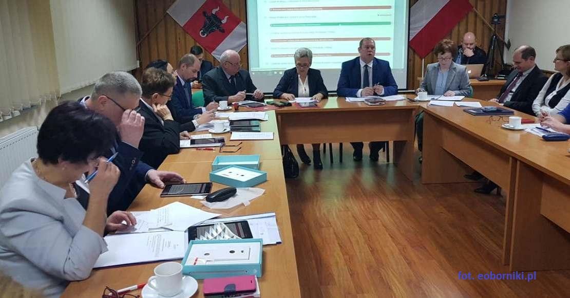 Sesja w Ryczywole ma się odbyć 29 kwietnia