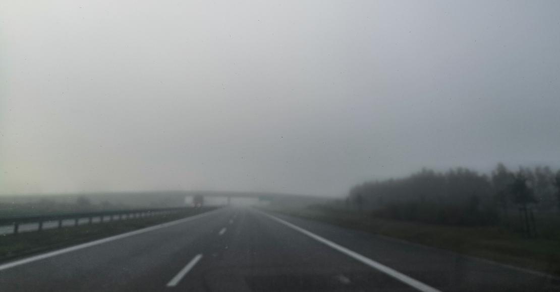 W nocy i rano ma być mglisto na drogach