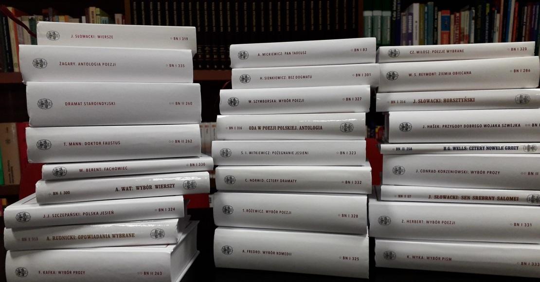 Kolejne książki dotarły do obornickiej biblioteki