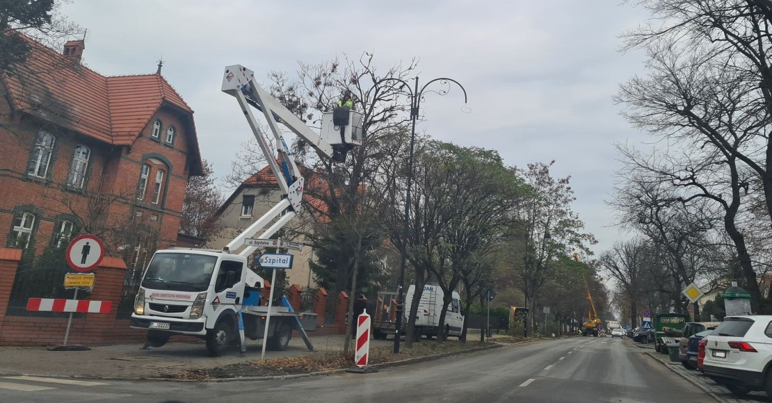 Trwa wymiana oświetlenia w Obornikach (foto)