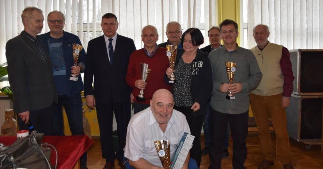 Brydżyści grali o Puchar Burmistrza Rogoźna