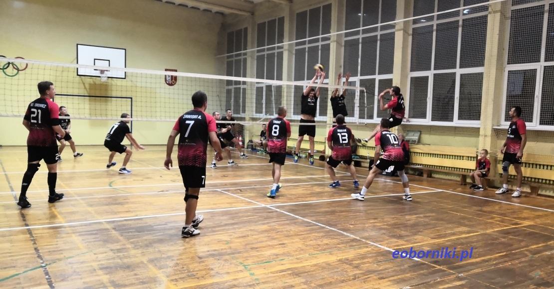 Trwają zapisy do Gminnej Ligi Piłki Siatkowej w Rogoźnie (film)