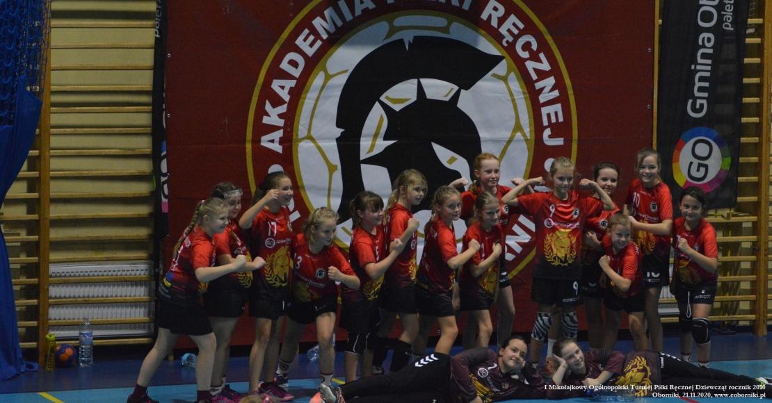 I Mikołajkowy Ogólnopolski Turniej Piłki Ręcznej Dziewcząt (foto 2 z 3)