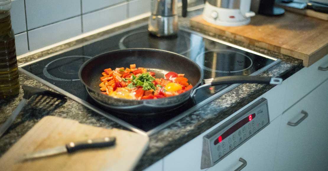 Czy warto zainwestować w kuchnię indukcyjną? Sprawdź!