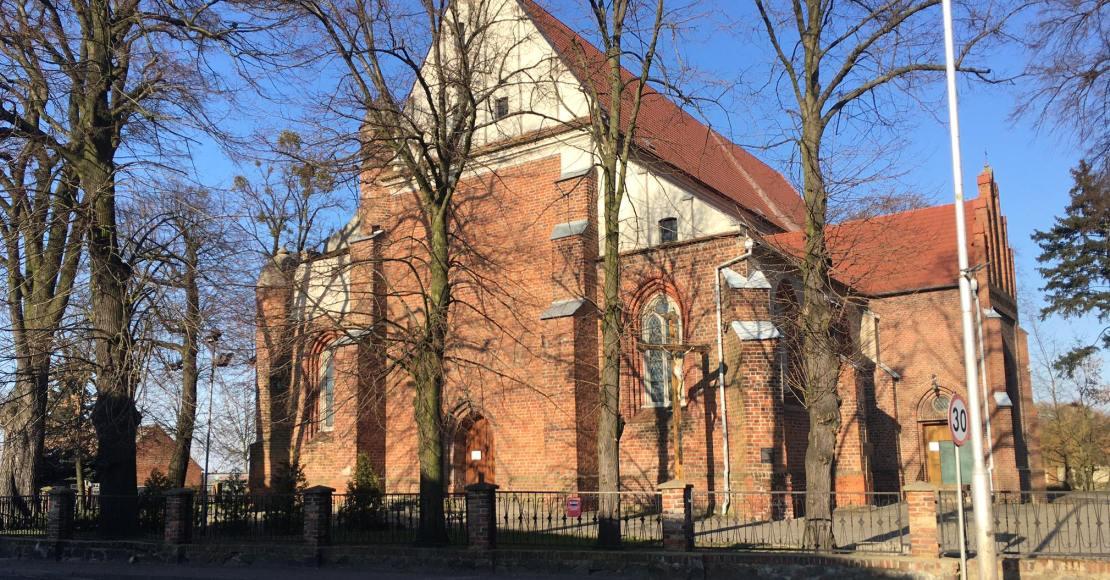 Wejście do kościoła tylko przez zakrystię
