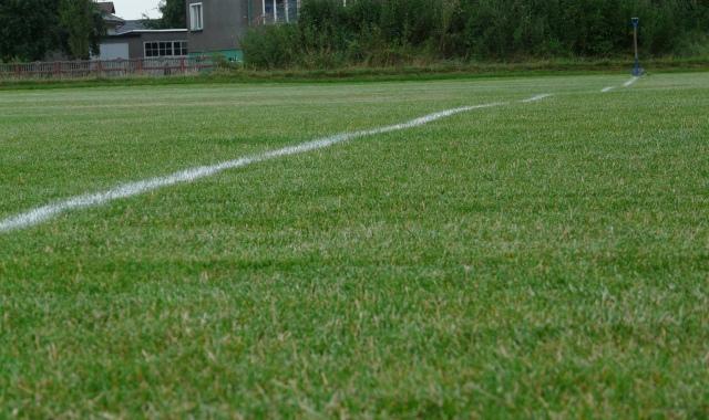 Czy sezon piłkarski powinien zostać anulowany?
