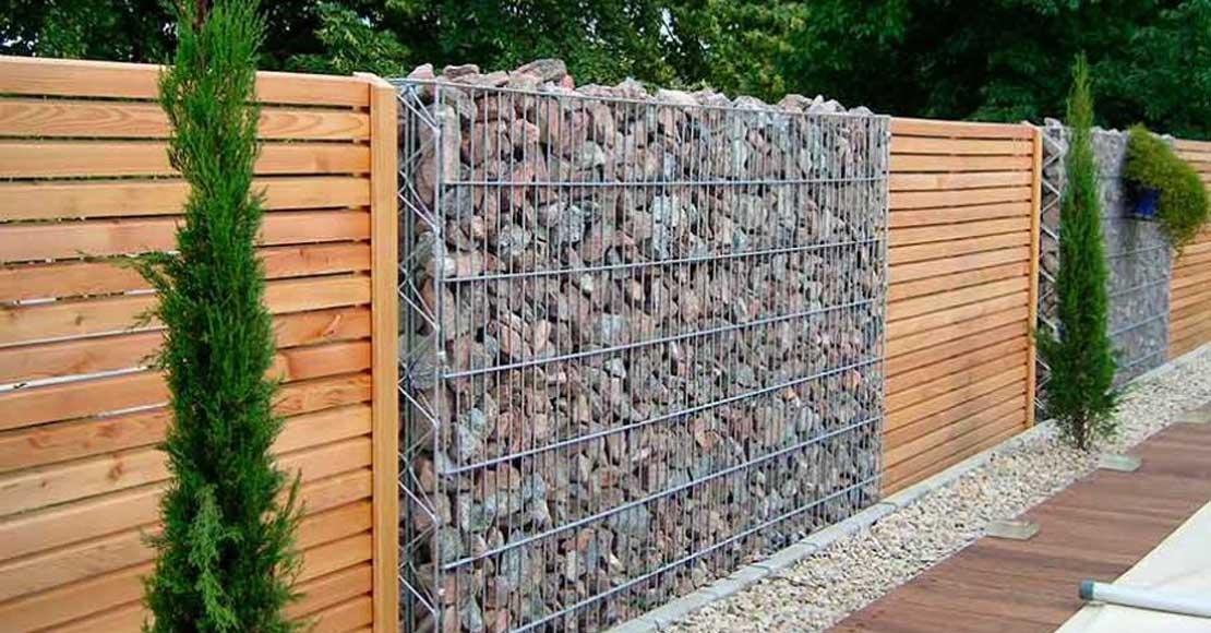 Płoty drewniane do ogródka działkowego – co poleca producent?