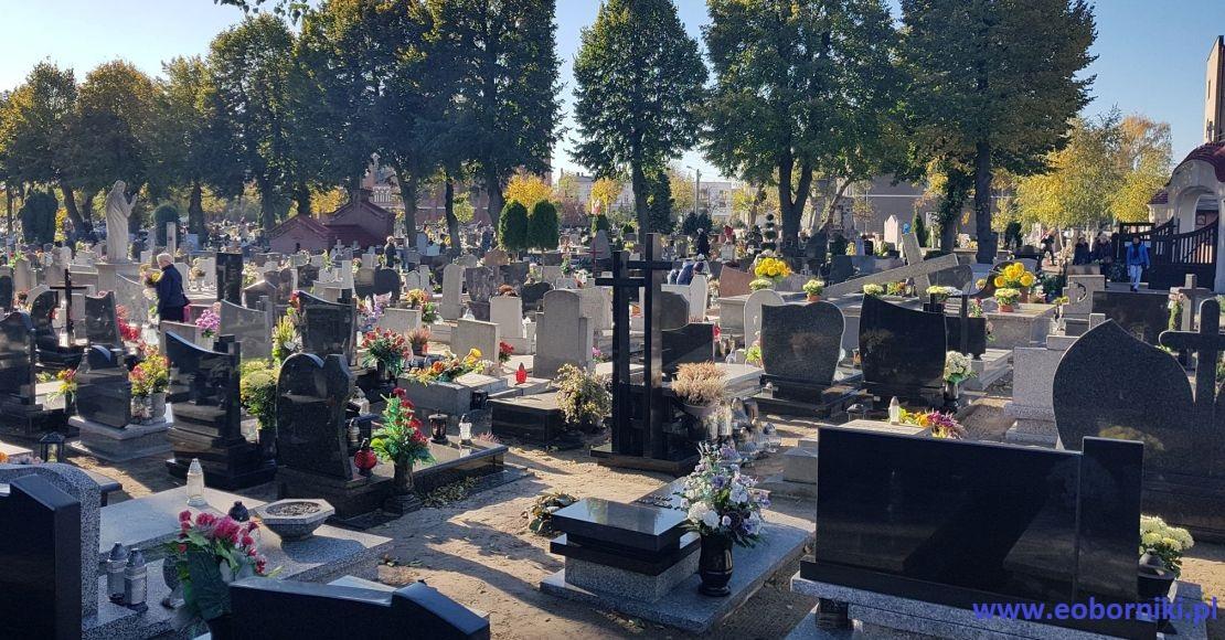 Mają być nowe obostrzenia. Co z cmentarzami?
