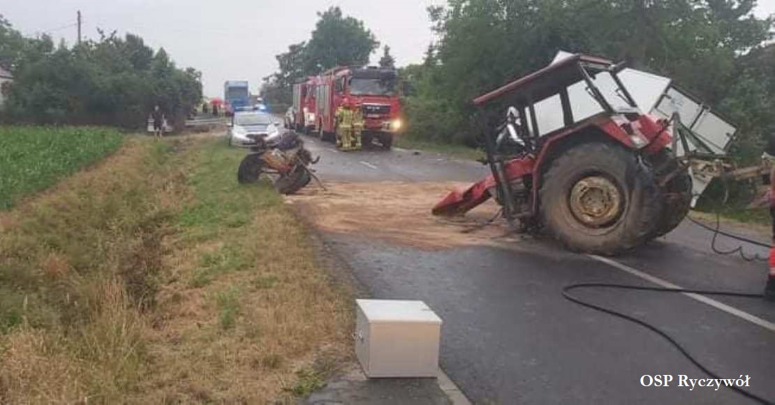 Zderzenie traktora z autem dostawczym (foto)