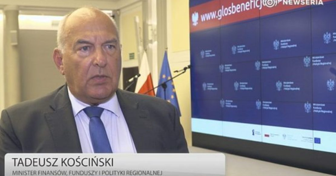 Minister finansów: Nowe przepisy VAT zlikwidują nieuczciwą konkurencję w e-handlu (film)