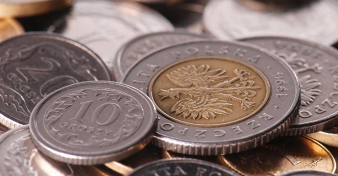 COVID-19 przemodelował nawyki bankowe i zakupowe Polaków