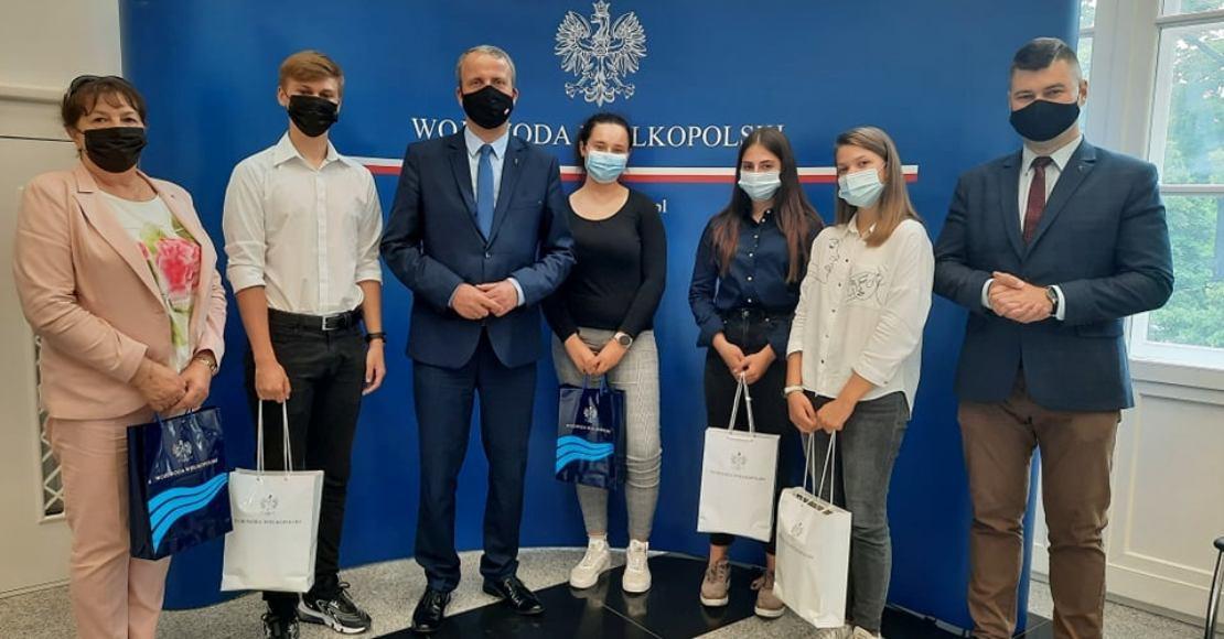 Przedstawiciele obornickiej Młodzieżowej Rady Miejskiej odwiedzili Wojewodę Wielkopolskiego