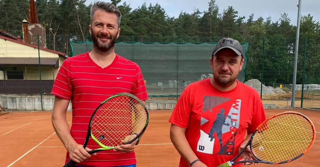 Pogoda utrudnia rozgrywanie turnieju tenisowego w Ryczywole