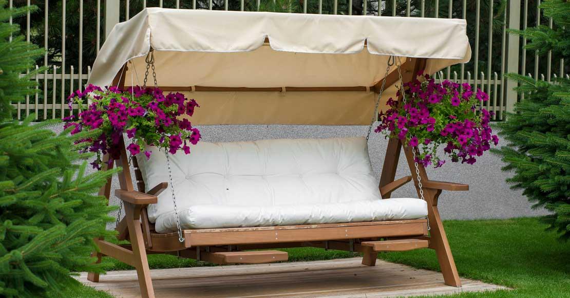 Jak wybrać zestaw mebli do ogrodu? Zakupy w trzech krokach